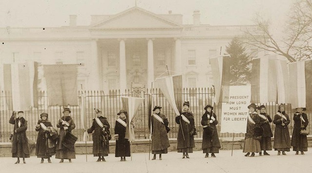 New Women's Party went to picket the White House