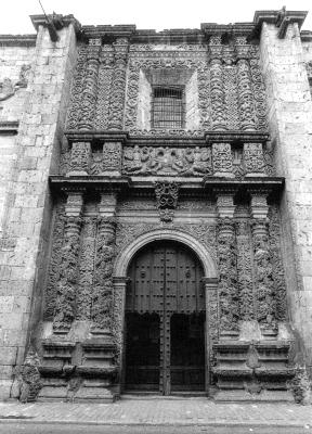 La Real Audiencia y el Obispado establecen su residencia en Guadalajara.