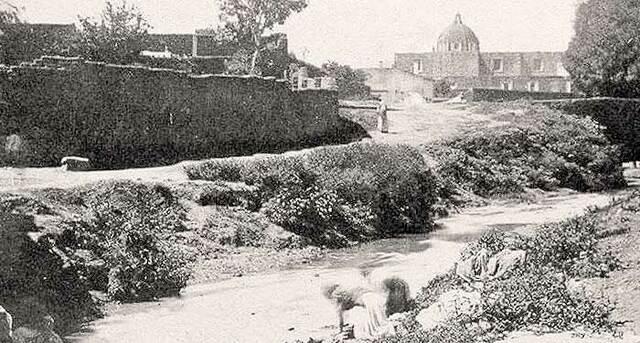 Embovedamiento de gran parte del río San Juan de Dios