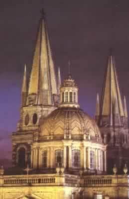Fue creada y Construida la catedral de estilo neoclásico.