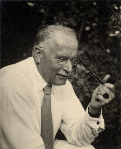 Carl Jung se retiró de la asociación psicoanalítica
