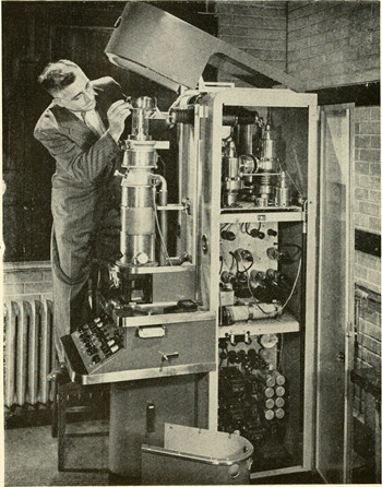 The First Scanning Electron Microscope