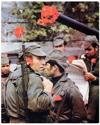 La fine delle dittature: la Rivoluzione dei Garofani