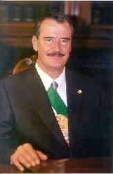 Vicente Fox Quesada es Presidente de la República.