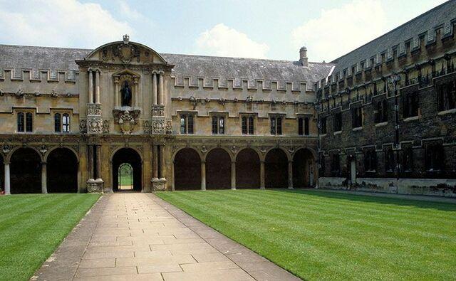 Mro se va de Oxford