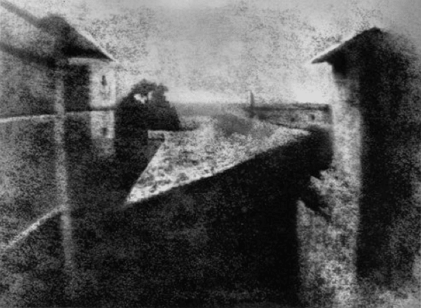 Joseph Niepce achieves first photographic image