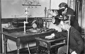 Primer aparato de rayos x.