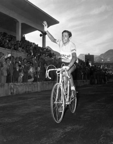 Fausto Coppi vince il Giro d'Italia
