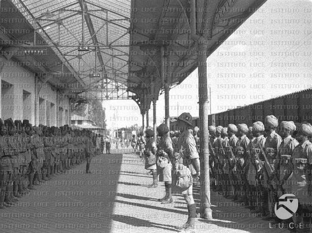 Le truppe britanniche entrano ad Addis Abeba