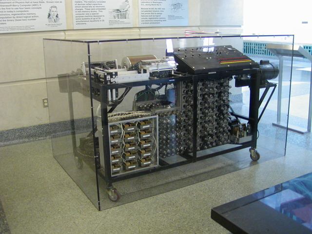 Charles Babbage: Charles Babbage designs his first mechanical computer