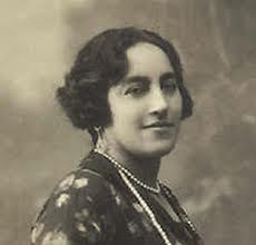 . Ángela Ruiz Robles