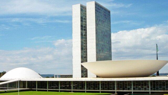 Los congresos de Bruselas y de Brasilea.