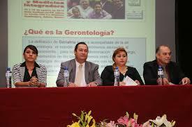 DIF promueve la investigación y docencia de la geriatría.