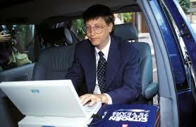Bill Gates destaca el compromiso de Microsoft con Internet