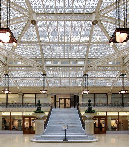 Hall: Rookery Building por Frank Lloyd Wright.