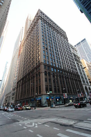 Roanoke Building (Chicago) por Holabird & Root.