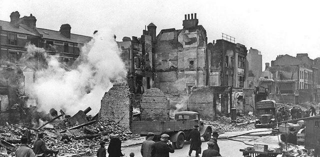 London air raid begins