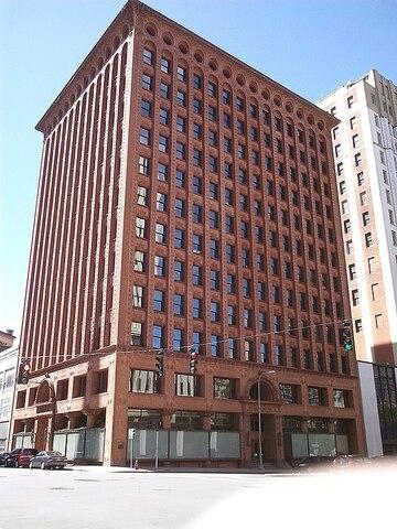 Prudential Building (Búfalo) por Louis Sullivan y Dankmar Adler.
