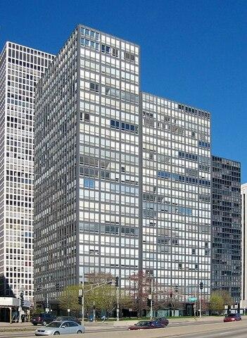 Apartamentos Lake Shore Drive (Chicago) por Ludwig Mies van der Rohe.