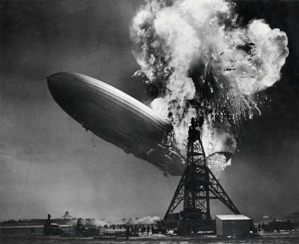 Desastre del dirigible Hindenburg. - Fin de la era del Dirigible.