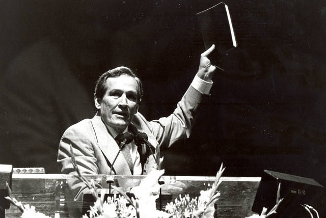 Adrian Rogers elected SBC president to start conservative revolution