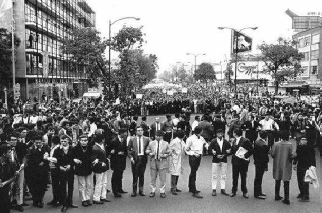 UNAM y IPN marchan codo a codo