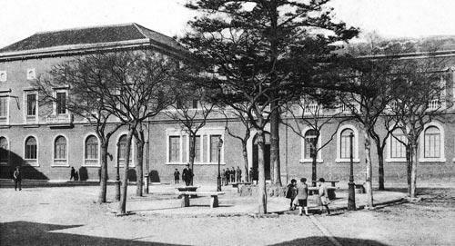 Real Escuela de Cirugía y el Jardín Botánico