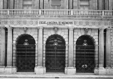 La Facultad de Altos Estudios de la Universidad Nacional de México se convierte en la Facultad de Filosofía