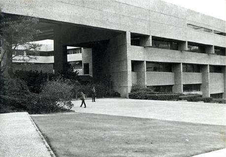 Se funda el Colegio de México