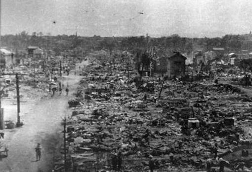 US and UK begin the bombing of Germany