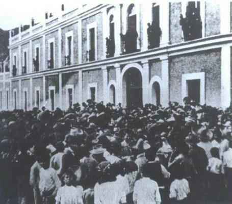 Huelga y matanza en la fábrica textil de Río Blanco.