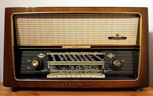 Se crea la radio