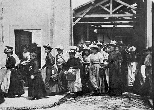 La salida de la fábrica Lumière en Lyon