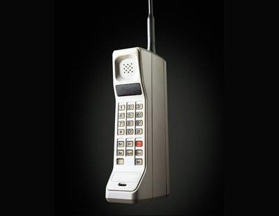 Creación del primer teléfono celular