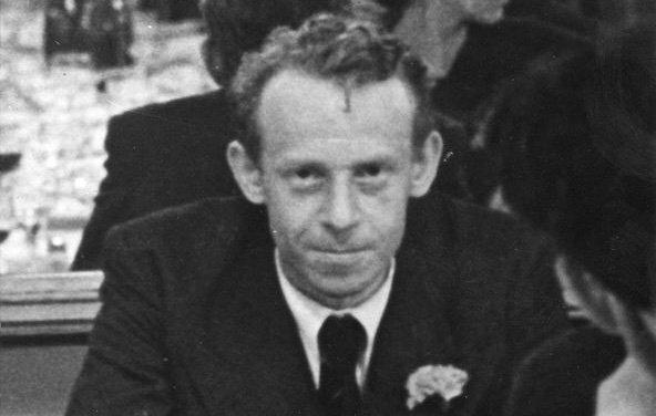 En 1928, G. Politzer