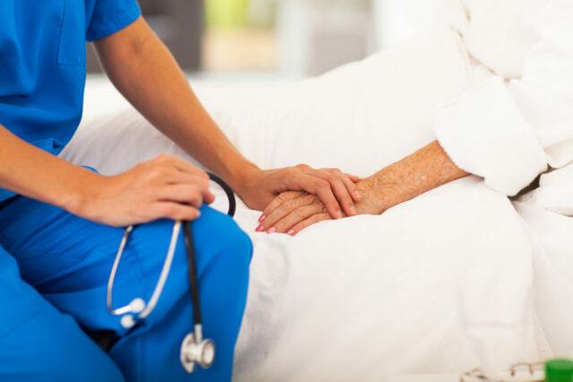 Sale a la luz Primera carta de Derechos de los Pacientes