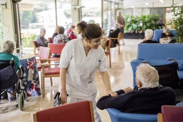 España. Enfermería geriátrica como asignatura obligatoria