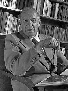 Teoría neoclásica por Peter F. Drucker (1909-2005)