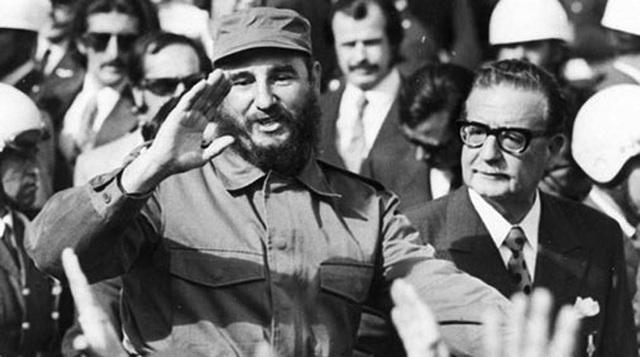 Fidel Castro respaldo la política de cambios de  Salvador Allende