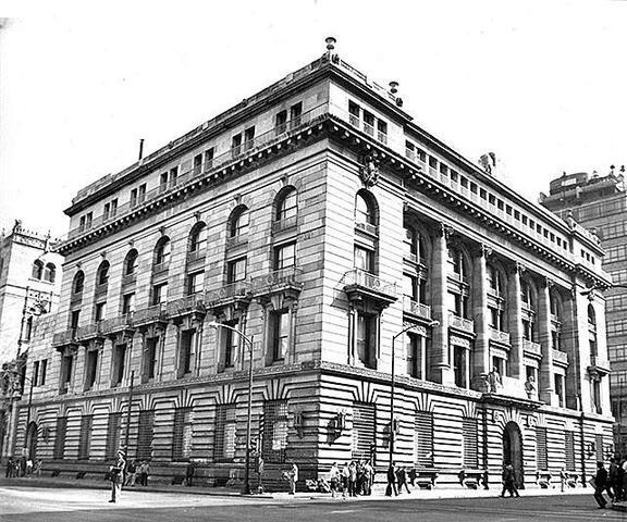 Fundación del Banco de México.