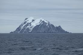 Arrives at Elephant Island, no one was there.
