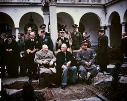 Junta en Yalta de Truman (EUA), Churchill (UK), Stalin (URRS)