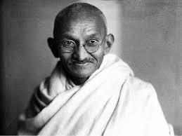 Muere Gandhi por asesinato.