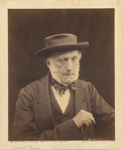 Se incorporó con su hermano Erasmus a la cercana escuela anglicana de Shrewsbury como pupilo