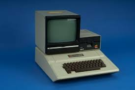 1976 - Apple 2