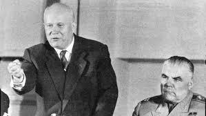 Kruschev obtiene la presidencia del país.