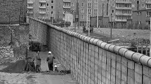 """Es construido el """"muro de Berlín"""""""