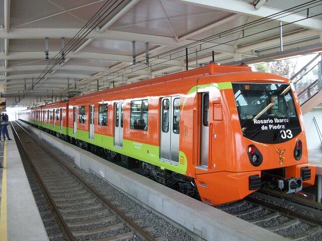 Se inauguró la primera línea de metro en la Ciudad de México y el país iba a ser anfitrión de los juegos olímpicos.