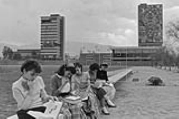 Se inaugura la Ciudad Universitaria.