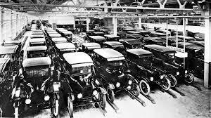 Primera línea de ensamble automotriz